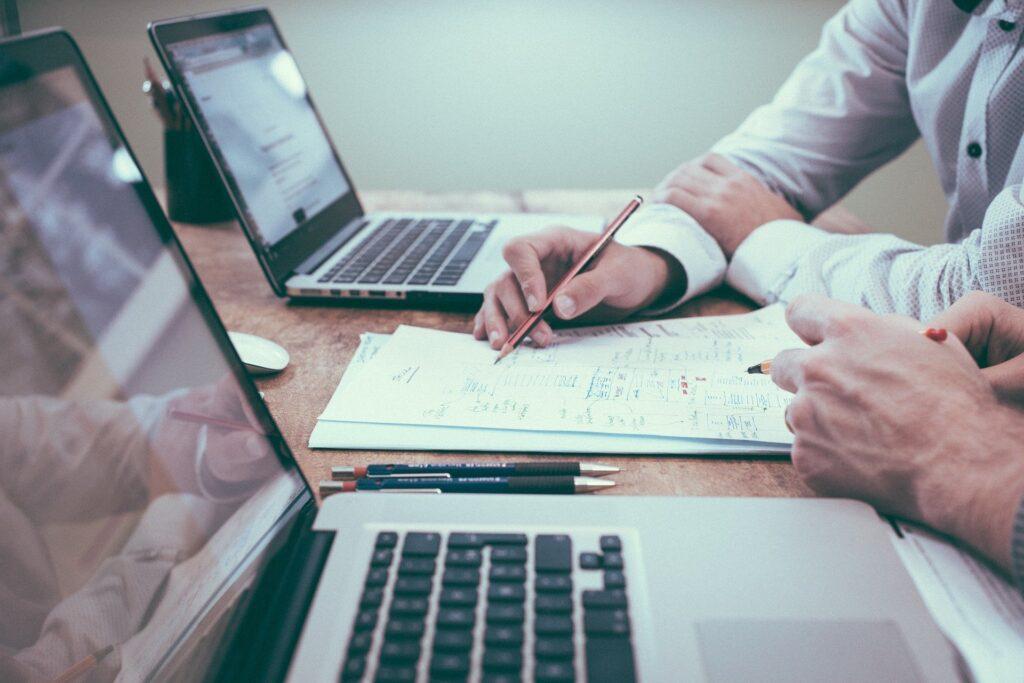 Direct Kosher consultation showing Direct Kosher employee giving advise on Kosher certification strategy